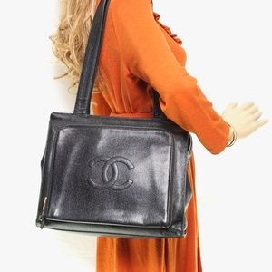 Auth Chanel Shoulder Bag Black Leather #1601C36